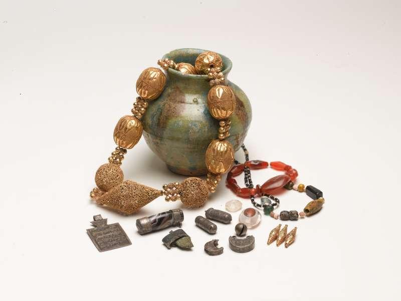 Jewelry hoard