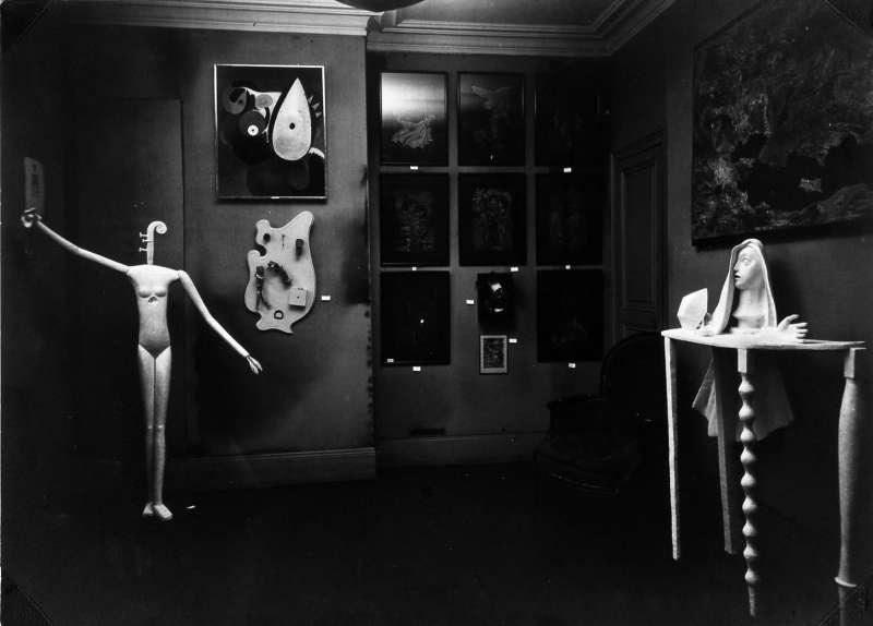 Exposition internationale du surrealism a la Galerie Pierre Colle, Paris