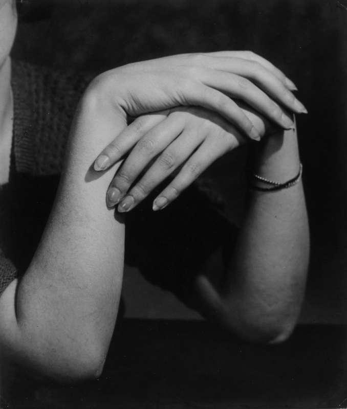 Hands of Kiki