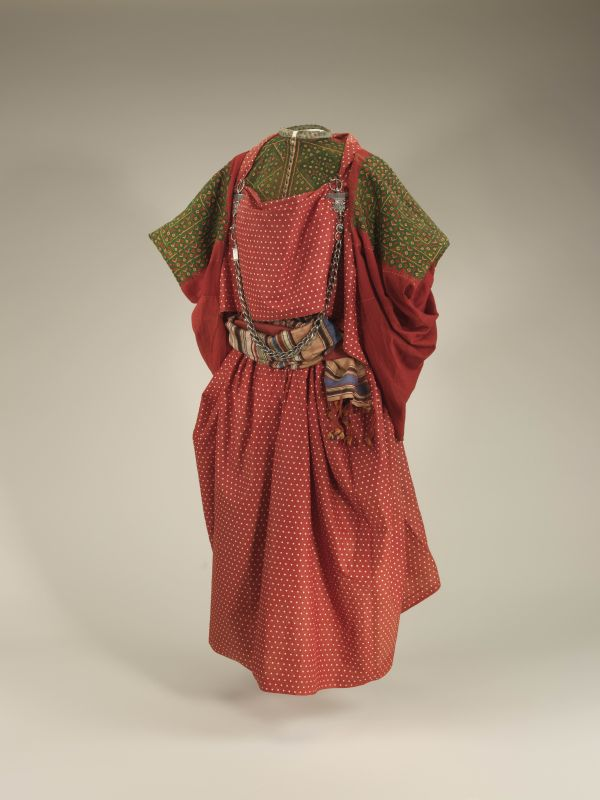 <b>Moroccan woman's outfit</b>
