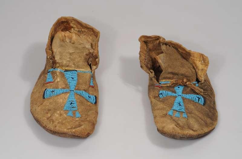 נעלי מוקסינים