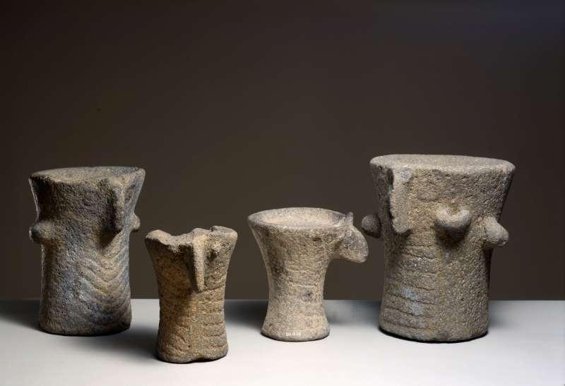 Pillar figures