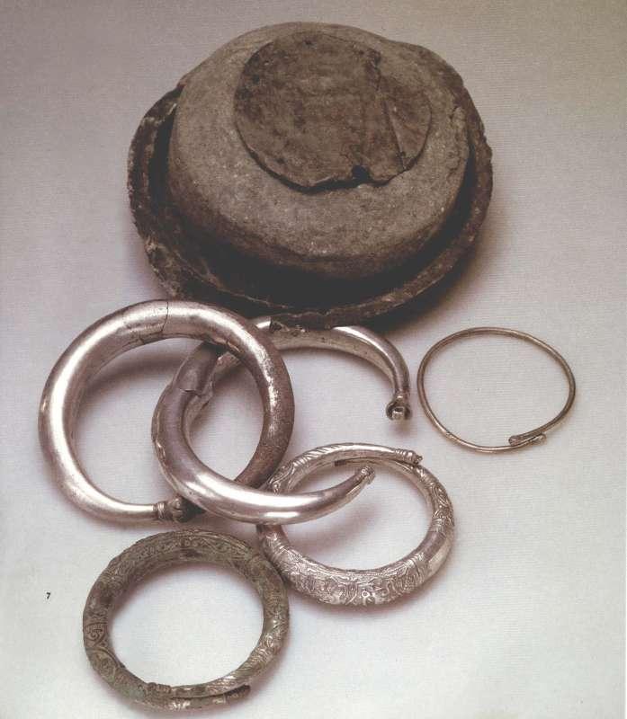 Bracelet hoard