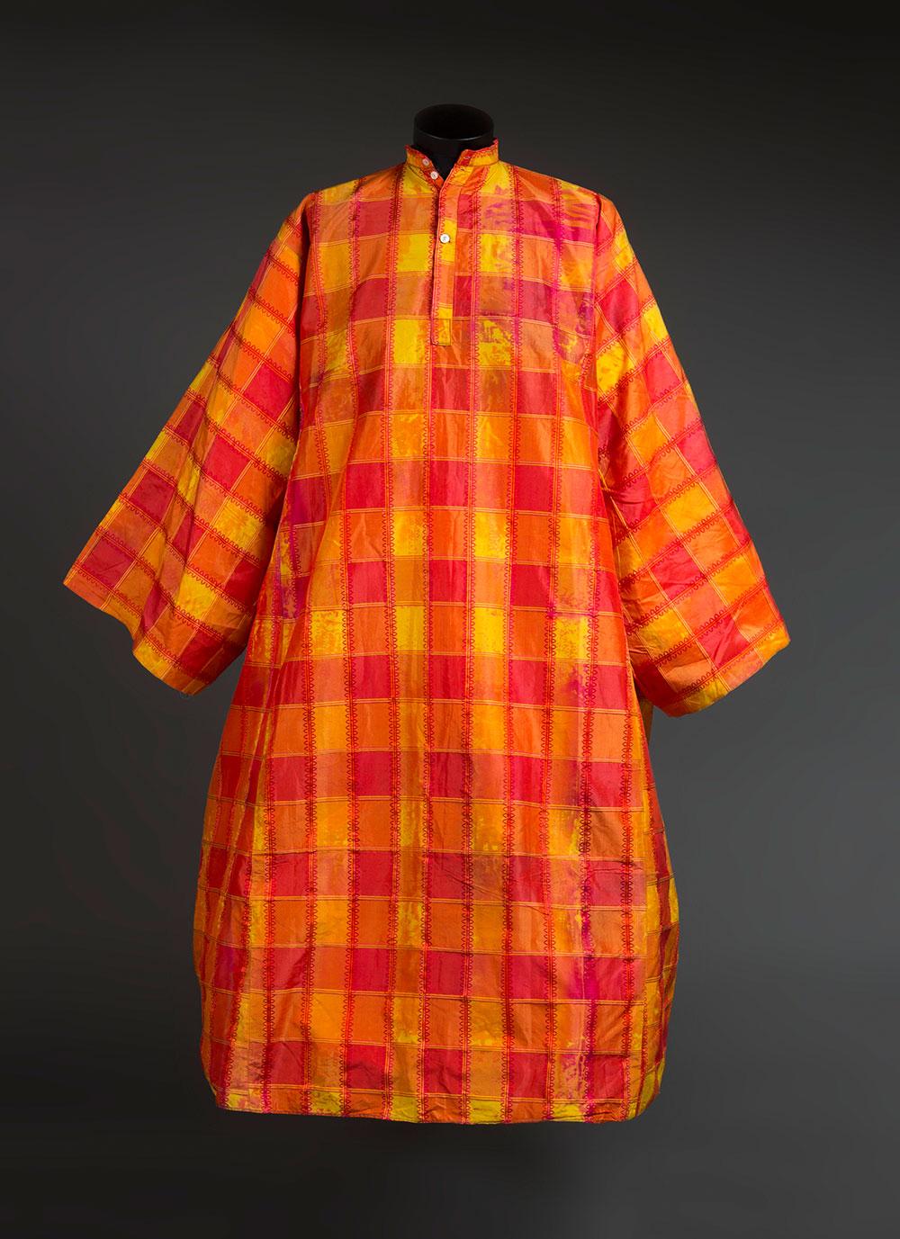 שמלת אישה תפורה במסורת הבוכרית, ירושלים, שנות ה-30 של המאה ה-20